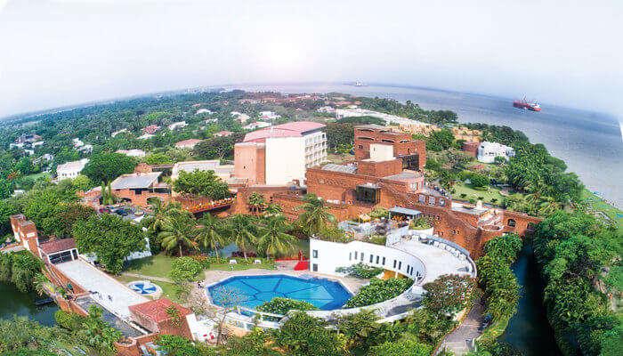 Ffort Resort