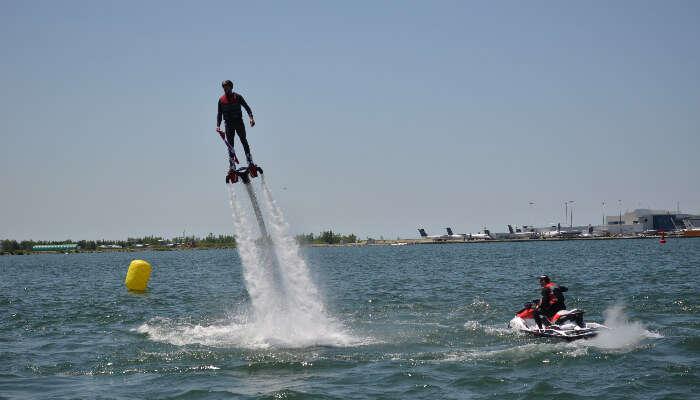 Flyboard in sea