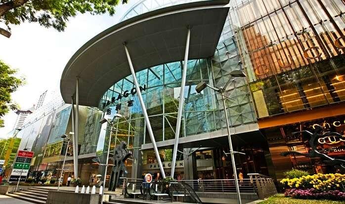Shooping in singapore