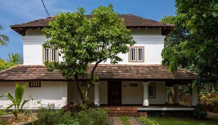 Kunnambath Heritage Nalukettu In Thissur