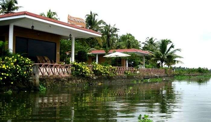 backwaters of Kaithapuzha