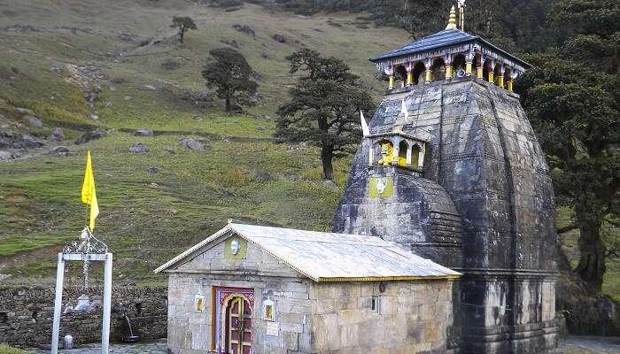 Madhyamaheshwar Mandir chopta