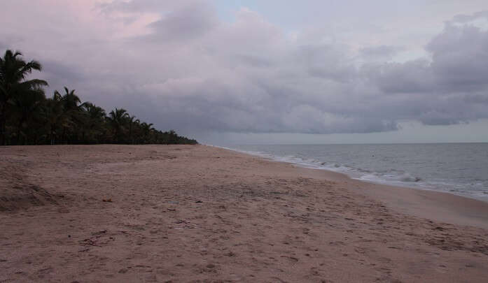 extremely silent beach