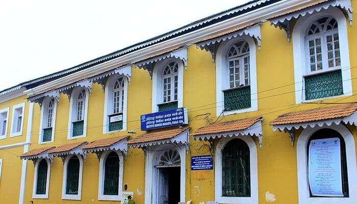 See A Vintage Portuguese Household in Goa