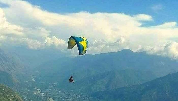 Paragliding In Bijli Mahadev In Manali