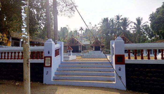 Old Puthalam Temple