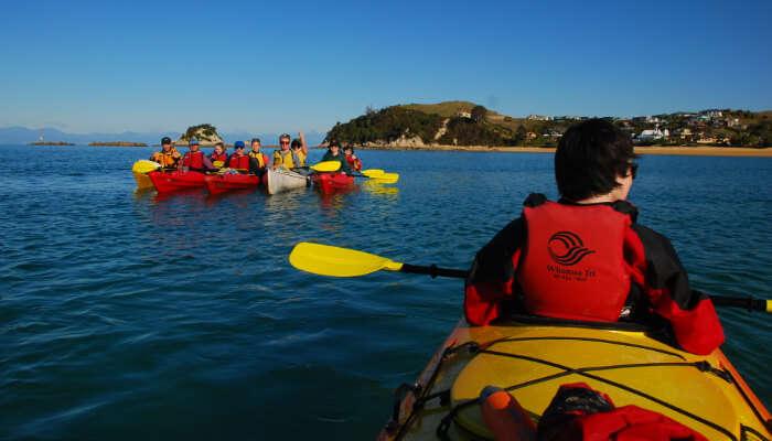 Sea Kayakin in sea