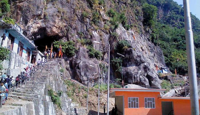 Shiv Khori
