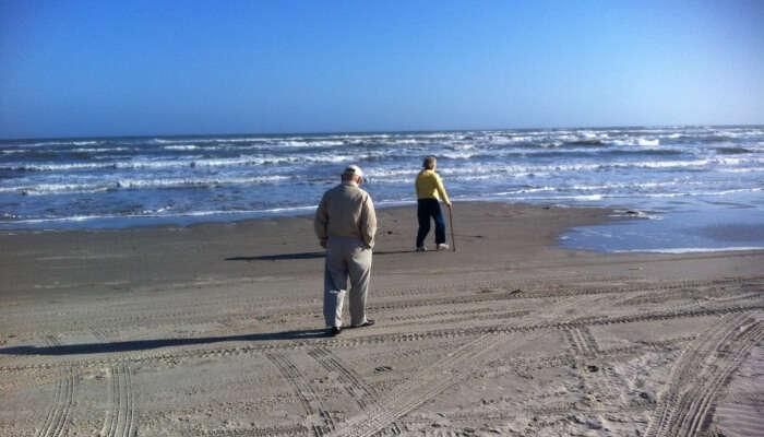 2 Men in a Beach