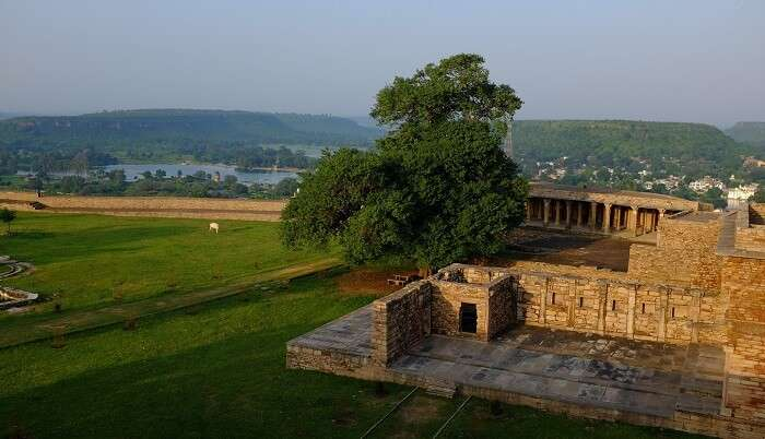 spots to explore while you are still around in Chanderi