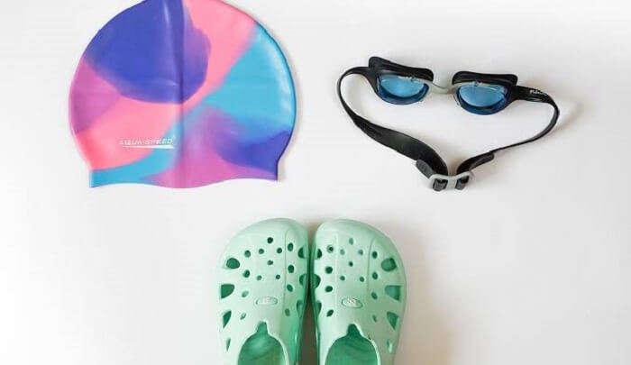 must wear a swim cap