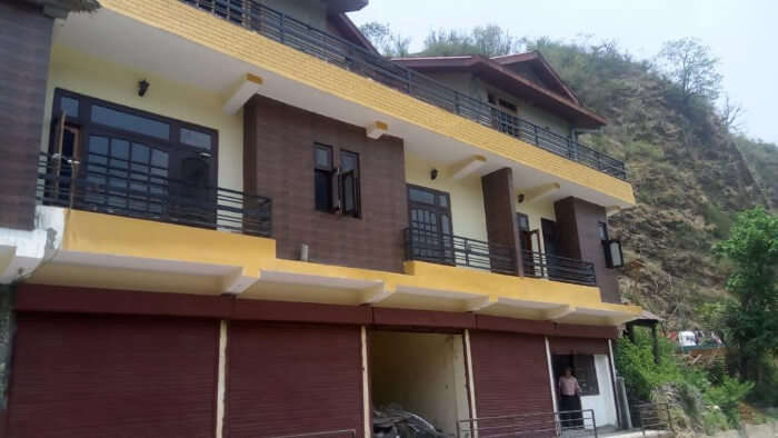 Yellow Valley Homestay in Solan