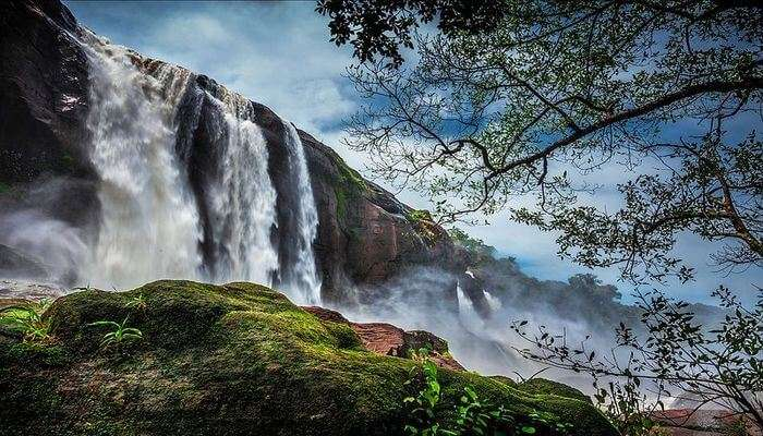 Athirapally Falls's view