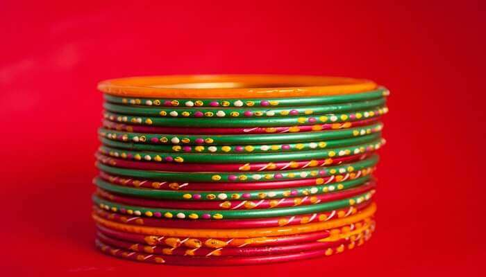 Bangles & Other Accessories in Varanasi