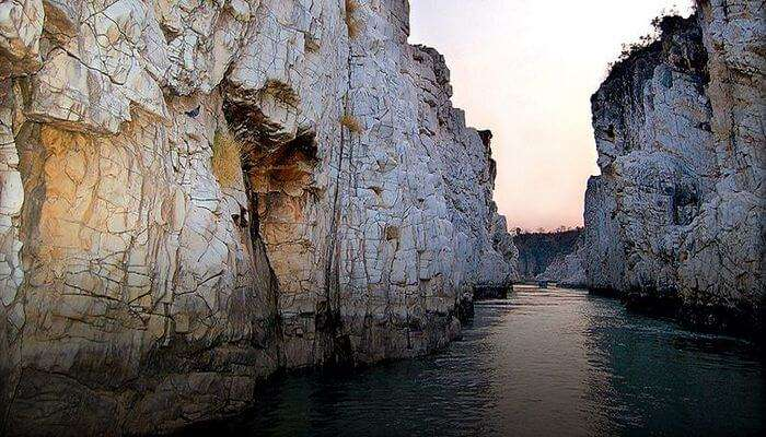 top attractions to visit while in Bhedaghat are Marble Rocks