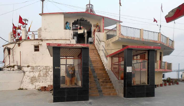 Chandrabadni Temple in Kanatal