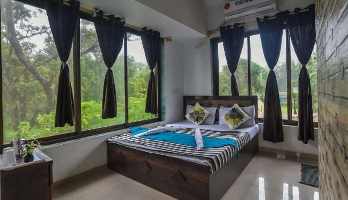 Sea Breeze Villa in Alibaug