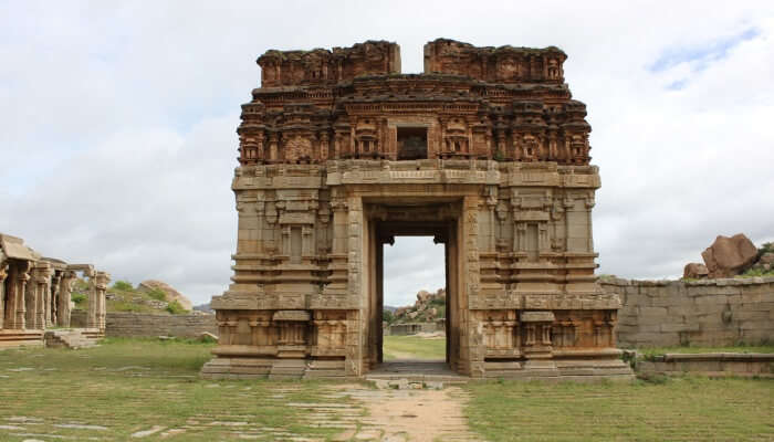 old building of a temple in Hampi