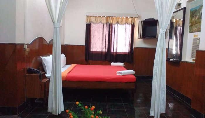 Hotel Diamond Daman in Daman