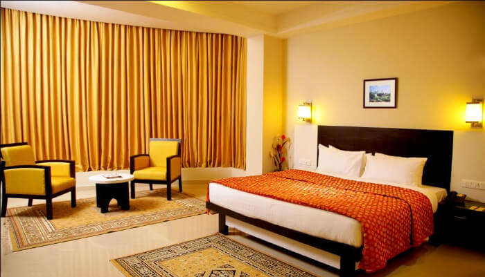 Hotel Excalibur in Kottayam
