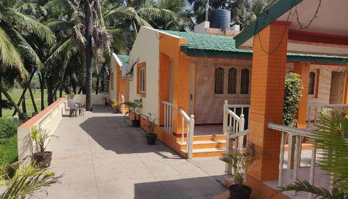 Hotel Palms in Diu