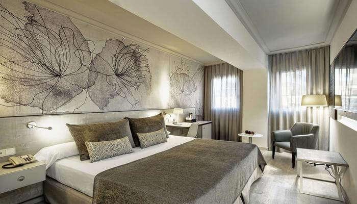 Hotel Salles Pere IV room