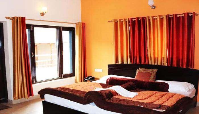 Hotel Shivalik River Retreat
