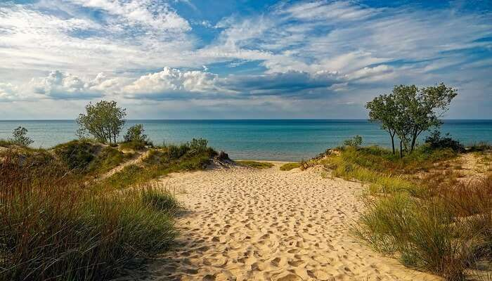 Indiana Dunes National State Park - Hiking And More
