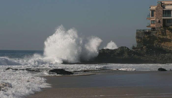 waves crashing at the rock