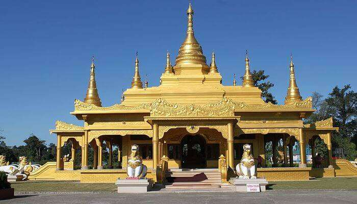 Learn Buddhist Culture At Golden Pagoda