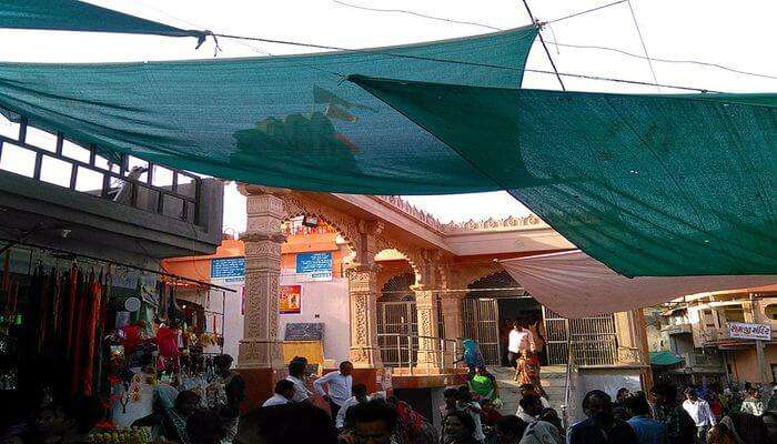 oldest temples in Ahmedabad