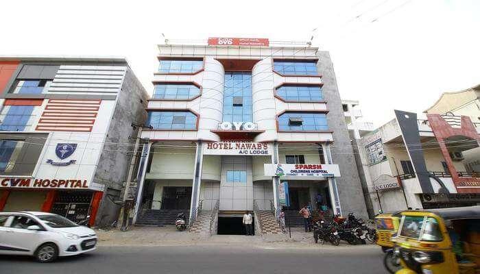 OYO 27664 Hotel Nawab's