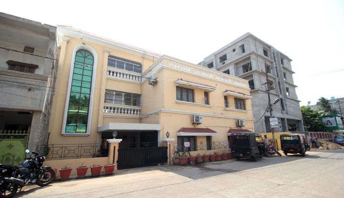 Luxurious Hotel in Puri