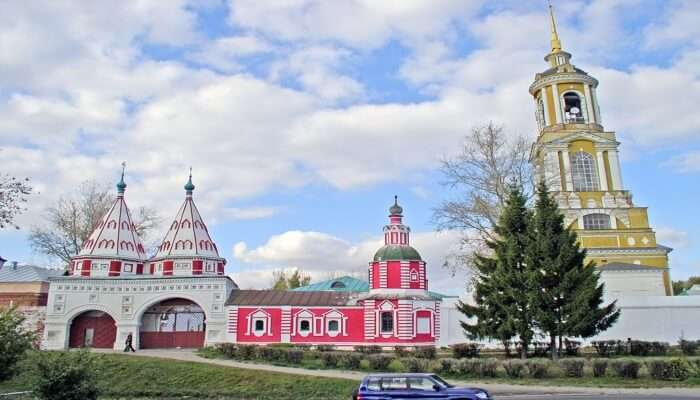 Passionate Tour to the Golden Ring Town of Suzdal