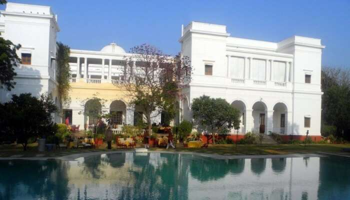 palace with a swimming pool