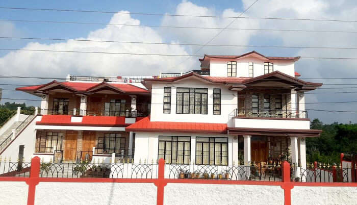 Pine Hill Homestay in Shillong
