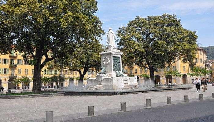 Place Garibaldi view