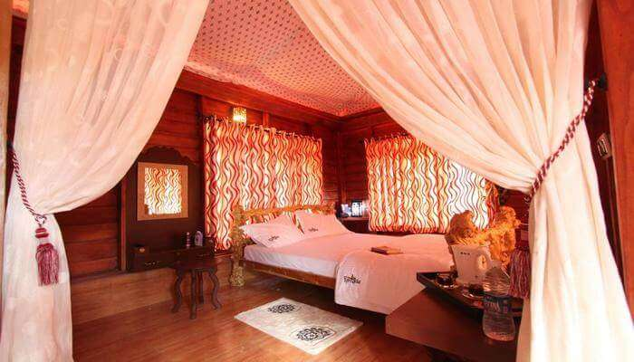 Pugmarks Wayanad Suite