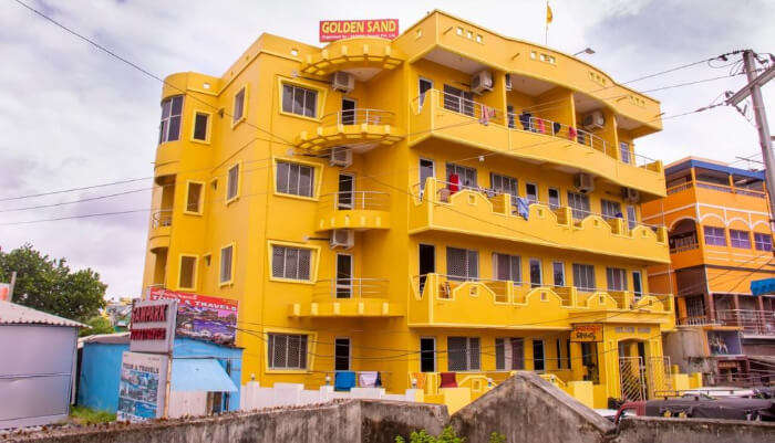 Yellow Building Hotel