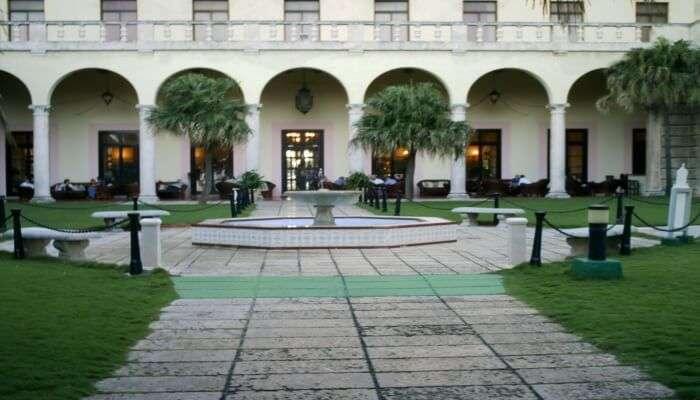 Sip Mojito in the Garden at Hotel Nacional