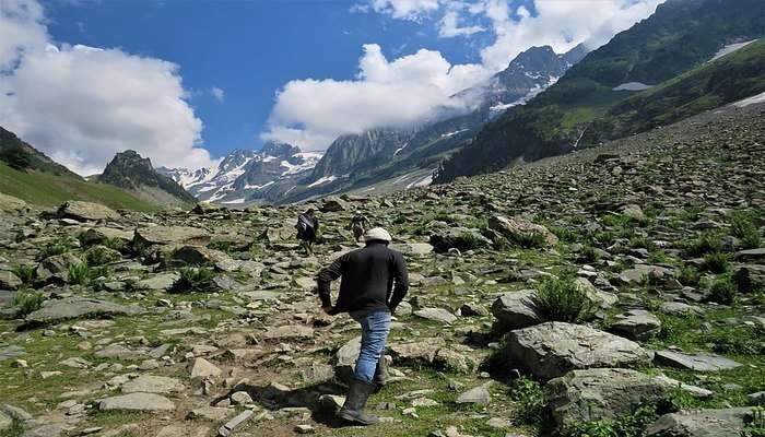 Trekking In Sonamarg