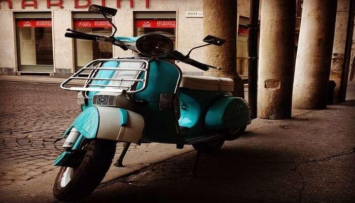 Vintage Vespa Rides