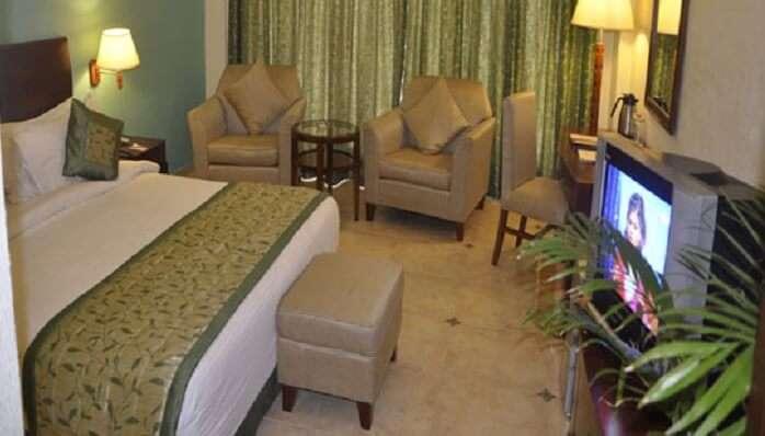 white hotel katra