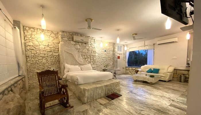 an ultra-spacious room