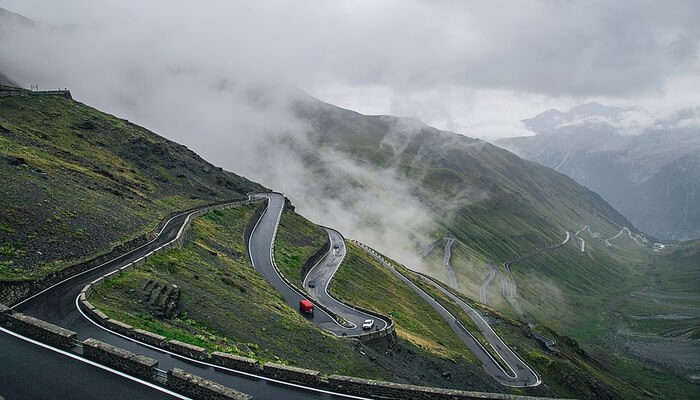 Best Time To Visit Stelvio Pass