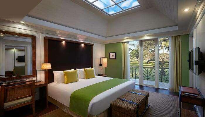 Caravela Beach Resort room