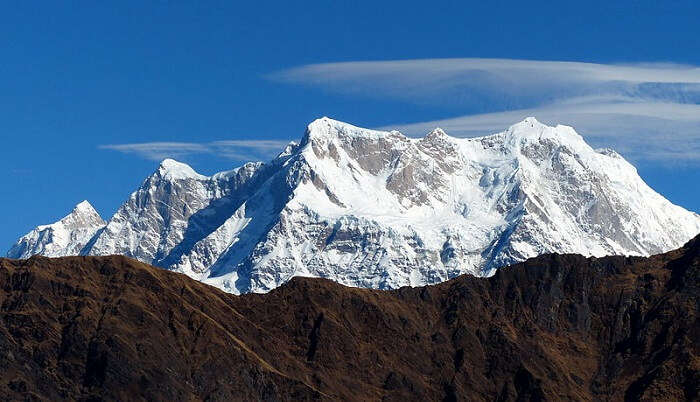 himalaya peaks mesmerizes the view