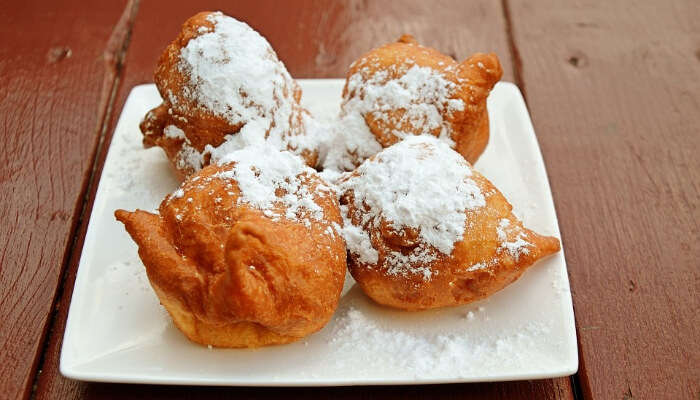 Frittelle, Carnival food of Venice