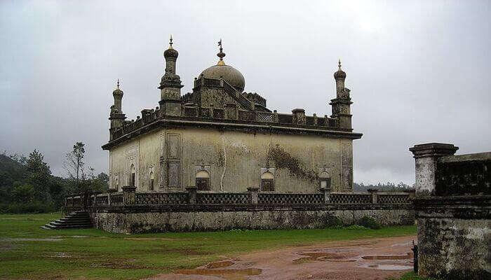 Gaddige Raja's Tomb