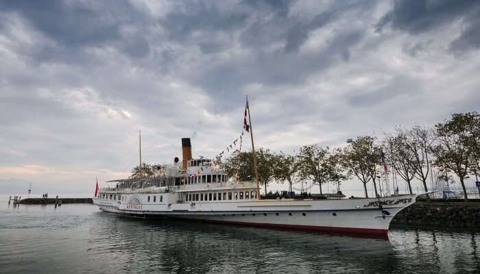 Go On A Cruise Ride On Lake Geneva